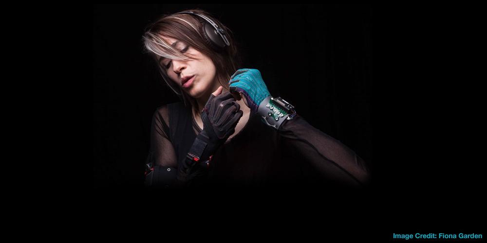 Imogen Heap explains the electronic gloves